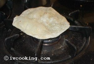 chapati_on_gasstove.jpg